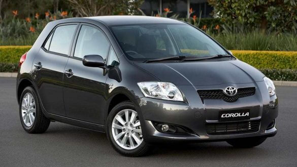 The-Best-Second-Hand-Small-Cars-Toyota-Corolla-585x330